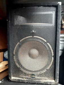pair of of Phonic SE/712 (Passive) P.A. Speakers