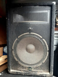 Pair of Phonic SE/712 (Passive) P.A. Speakers