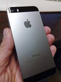 Apple iPhone 5S - 16GB - Space Grey - Locked on o2 - Excellent Condition + Charger - NO OFFERS