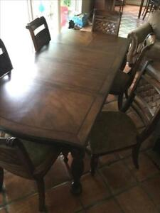 Dining set in perfect condition