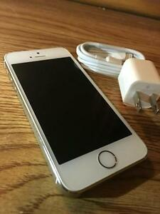 New Condition Silver iPhone 6 16 Gig