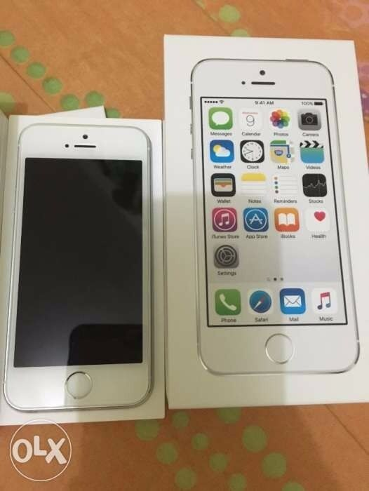 Like New iPhone 5s 16GBin Luton, BedfordshireGumtree - Apple iPhone 5s 16GB in SILVER As good as new Currently on the Vodafone network however it is free to unlock Box and manual included. Charger and headphones not included