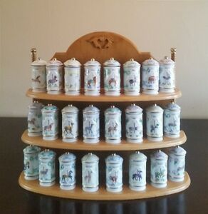 24 Piece Lenox Spice Jar and Rack
