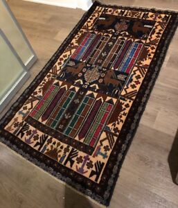 Persian 100 % hand knitted rug  5` x 7.5`