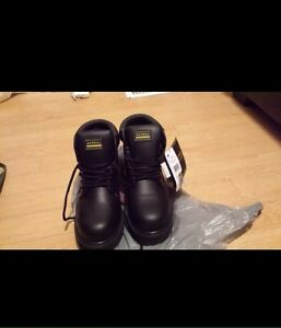 Brend  new safety shoes  Cambridge Kitchener Area image 1