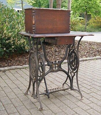 F. Cazin Erfurt Nähmaschine Gussgestell um 1910 Tischgestell Nähmaschinengestell