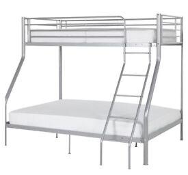 Metal Double bottom single top bunk bed