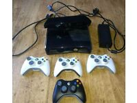 Xbox 360 + 4 Controllers + Kinect + 13 Games