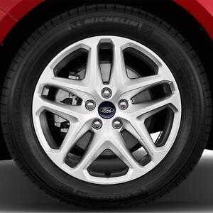 235 50 17  Michelin Energy Saver tires on OEM Ford Fusion alloy rims 5 x 108 / TPMS