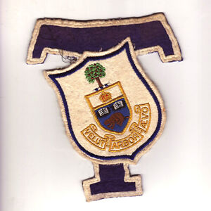 UNIVERSITY OF TORONTO COAT OF ARMS SCHOOL TEAM PATCH CREST