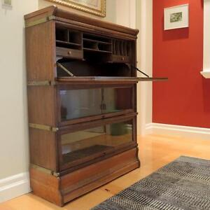 Classic Solid Oak Barrister's Desk - Collectable