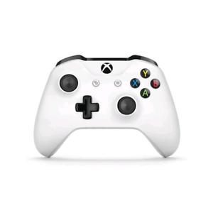 Manette Xbox one neuve (dans l'emballage)+kit charge et batterie