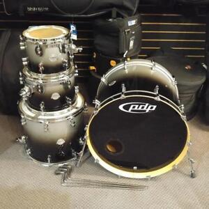 PDP drum set/ensemble de drum 10,12,16,22 en Érable/Maple Platinum Series - used/usagé