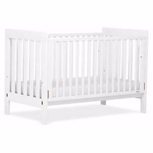 babydirect boori daintree cot in white Richmond Yarra Area Preview