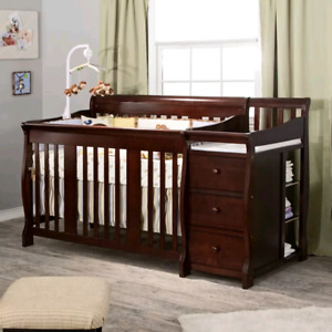 4 in 1 convertible crib plus changing station -m!
