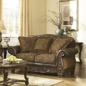 Taj Loveseat ...53% OFF!
