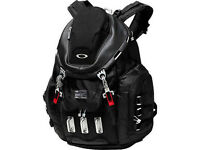 Oakley Kitchen Sink 34L Rucksack HIKING Laptop MacBook Black Backpack