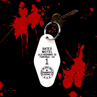 New BATES MOTEL horror movie prop KEYCHAIN, Psycho key fob, halloween decoration](Psycho Halloween Decorations)