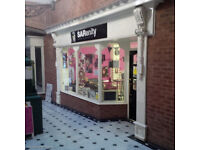 To Let:Retail Unit located 15 Regency West Mall,Stockton On Tees,TS18 1EF