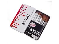Bran New Kylie Jenner 12pc Professional Make-Up Brush Set