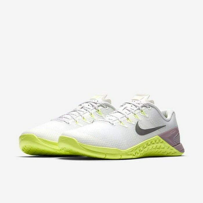 WOMEN'S NIKE METCON 4 SHOES white silver 924593 102 MSRP $130 1