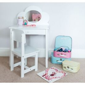 new white dressing table and chair