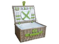 2 Person Green Fitted Picnic Basket with Zipped Chiller, Brown, 25 x 45 x 35 cm