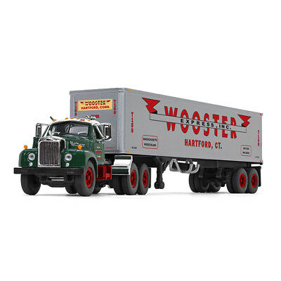 2018 First Gear 1:64 WOOSTER MACK B-61 Semi Truck Day-Cab w/40' Vintage Trailer