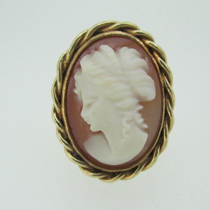 Vintage 10k Yellow Gold Cameo Ring Size 5 1/4