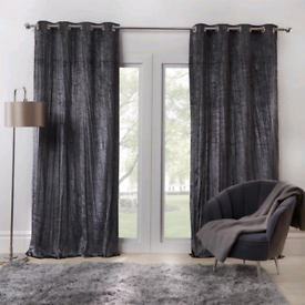 Crinkle Crushed Velvet Eyelet Curtains