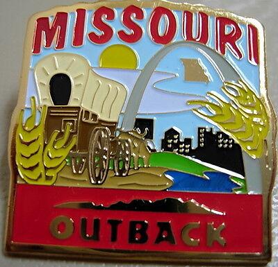 J4279 Outback Steakhouse hat lapel pin Missouri