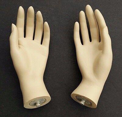 Mn Handsf Qs Pair Of Fleshtone Left   Right Female Mannequin Hands  Fleshtone