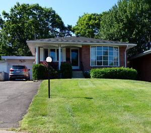 Prime Location: 3 Bd/1 Ba Eastside home on a quiet court