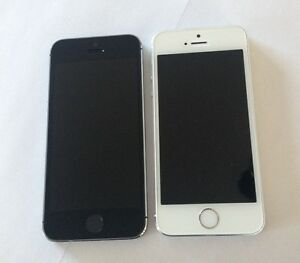 Two Apple iPhone 5S 16GB Bell and Virgin Excellent Condition