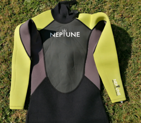 GUL Neptune Long Wetsuit.JXL in new condition.Label Chest approx 84-89