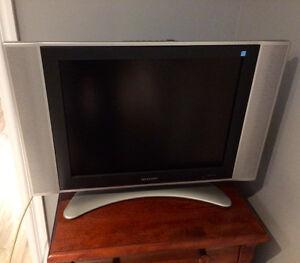 télévision  ACL Sharp 20 pouces