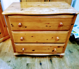 Solid pine 3 drawer chest of drawers