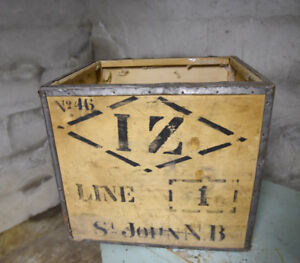 Industrial box wood with metal