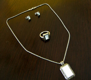 Silver - Mother of Pearl - Marcasite   Jewelery Set