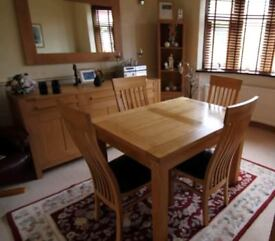 Extending Solid Oak Table & 4 Matching Chairs FREE DELIVERY 577