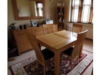 Extending Solid Oak Table & 4 Matching Chairs FREE DELIVERY 770