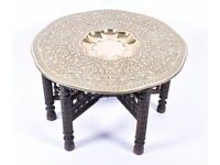 BEAUTIFUL ANTIQUE LARGE ISLAMIC ARABIC BENARES BRASS ENGRAVED COFFEE TABLE ON HAND CARVED STAND VGC