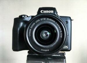 Canon Camera M50 + 2 extra batteries