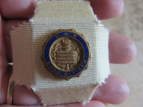 Daughters of American Revolution D.A.R Good Citizen pin