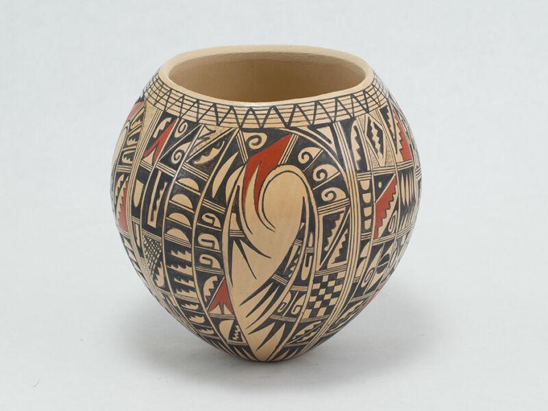 Beautiful Sikyatki Bowl by renowned Hopi artist Antoinette Honie.