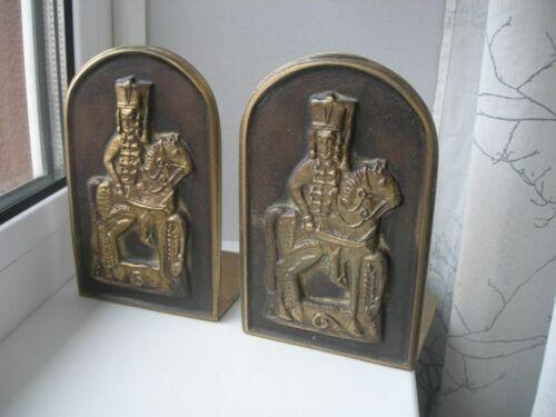 Beautifull Small Rare Bucknds Hussars book supports bronze Austria new Hand Made