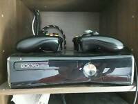 Xbox 360 slim 250gb with Kinect + 29 games and 2 controllers