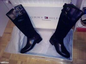 Tommy Hilfiger female leather long boots size 39/40 (6/7uk)