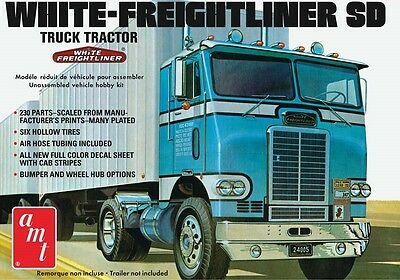 AMT 1:25 White Freightliner Single Drive Tractor Model Kit AMT1004