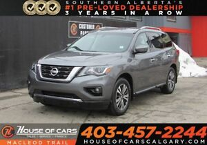 2017 Nissan Pathfinder SV/ Back Up Camera / Heated Seats/AWD